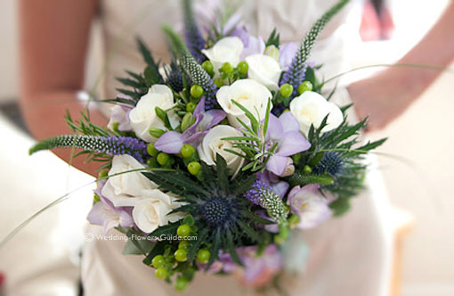 Natural bride's wedding flower bouquet